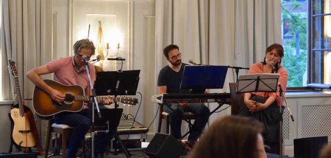 Die Band Μπουάτ / Boîte.