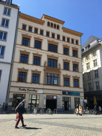 Markt 10_Hier zieht das Deutsch-Griechische Jugendwerk im 2. Stock ein